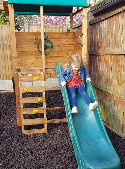 Benefits of Rubber Chippings for Play Areas